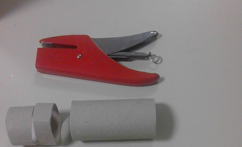Rotoli Di Carta Colorata : Albero di natale con rotoli di carta igienica rubiacriarte
